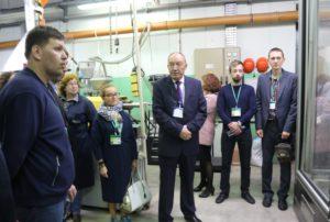 Представители Комитета по строительству осмотрели продукцию завода «Арктос»